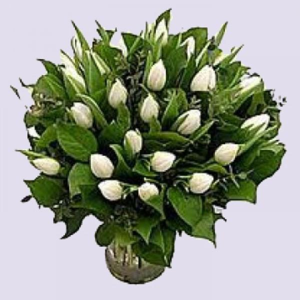 Boeket wit tulpen